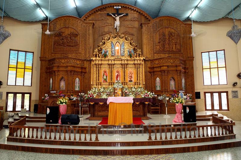 St.Joseph's Parish Shrine - Pavaratty, Thrissur - Altar
